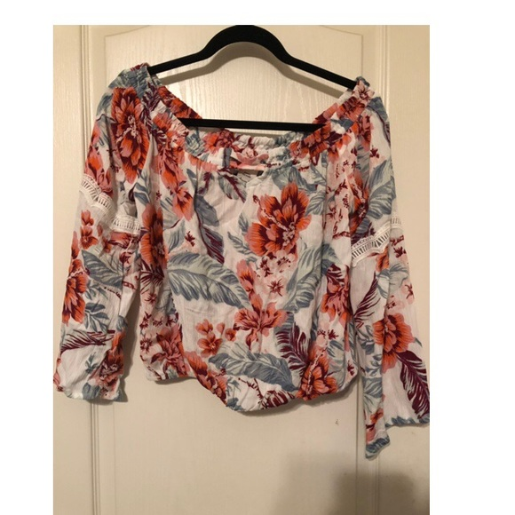 Tops - Floral off the shoulder top